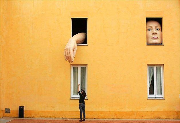 """Cristina Lucas, """"Alice"""" (2013) Sevilla"""